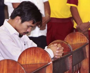 Pacquaio praying