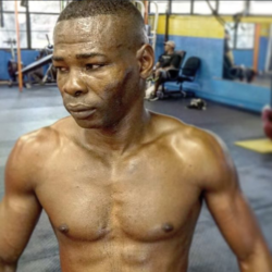 Rigondeaux calls out Arum on Twitter, wants Loma at catchweight