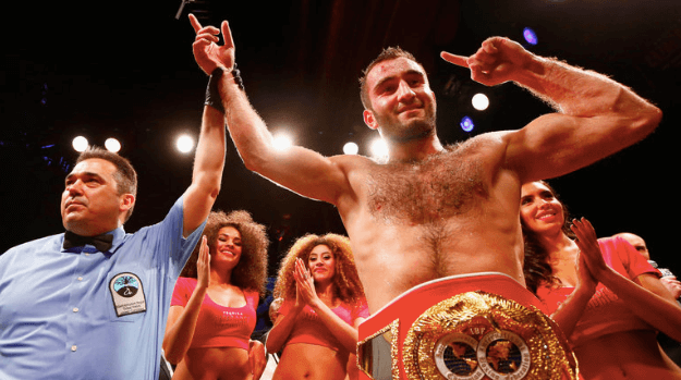 Murat Gassiev outslugs Lebedev to win cruiserweight title
